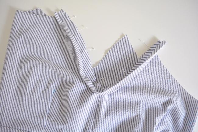 necklineandstraps01